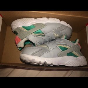 Girls Huarache Runs